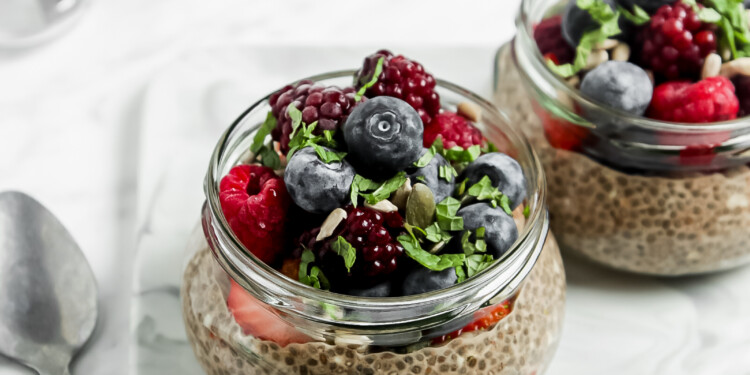 Low Carb Chia Pudding Parfait