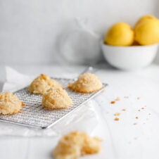 VEGAN COCONUT MACAROONS WITH ZESTY LEMON