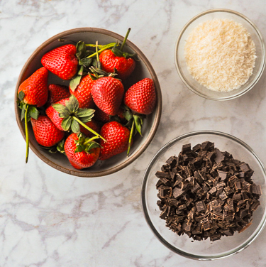 Ingredients for Vegan Chocolate Covered Strawberries