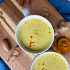 VEGAN TURMERIC LATTE (GOLDEN MILK)