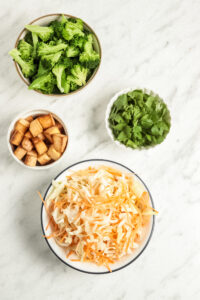 Easy and Vegan Asian Crunchy Cabbage Salad